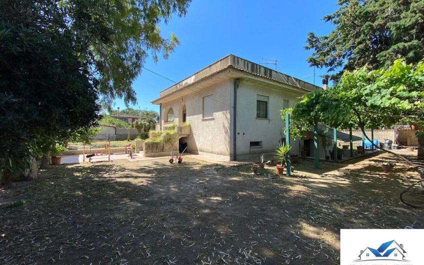 VILLA UNIFAMILIARE – VIA MELTINA – CASTEL FUSANO INFERNETTO